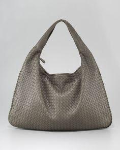 http://harrislove.com/bottega-veneta-maxi-veneta-hobo-bag-p-1330.html