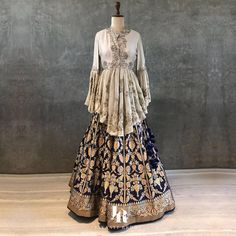 Fancy shopping Banarasi Lehenga for your wedding? Check out all these amazing labels selling banarasi lehengas from INR 5000 to INR 1 Lakh+. Indian Designer Outfits, Indian Outfits, Designer Dresses, Banarasi Lehenga, Bridal Lehenga Choli, Ghagra Choli, Sharara, Indian Gowns Dresses, Pakistani Dresses
