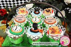 Mesa temática Sombrerero Loco - Alice in Wonderland Mad Hatter dessert table Lesnuzparty