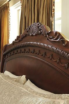 Twin Sleigh Bed, Sleigh Bedroom Set, Upholstered Bench Seat, How To Make Bed, Planer, Decoration, North Shore, House Styles, Bedroom Bed