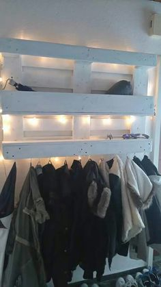 Pallet wardrobe You are in the right place about entrance lighting Here we offer you the most beautiful pictures about the entrance mirror you are looking for. When you examine the Pallet wardrobe par Entrance Lighting, Entrance Foyer, House Entrance, Small Entrance, Entrance Table, Pallet Wardrobe, Apartment Entrance, Beautiful Pictures, Sweet Home