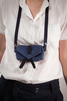 borsetta astuccio in tessuto di cotone blu  fatta a di LeBlusine