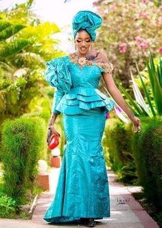 African Fashion Skirts, African Dresses For Women, African Attire, Skirt Fashion, African Clothes, Nigerian Lace Dress, Nigerian Lace Styles, Plus Size Dresses, Plus Size Outfits