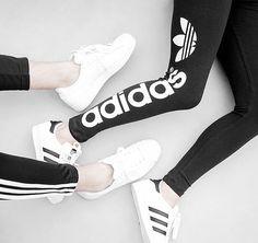 Sporty: adidas Originals Leggings. Hier entdecken und shoppen: http://sturbock.me/DVu