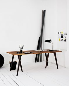 Tabletop in recycled boards | Workspace