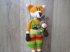 Häkle Dir jetzt den Fuchs ++ dazu den kleinen Hasen Karotte. Das wird Dir viel Häkelspaß bringen + die beiden sind auch sehr dekorativ. Probiers gleich aus.