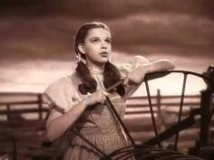 """Somewhere Over The Rainbow: sung by Judy Garland in the film, ""The Wizard of Oz. Judy Garland, Renee Zellweger, Over The Rainbow, Old Movies, Great Movies, Comedia Musical, Wizard Of Oz 1939, Land Of Oz, Thing 1"