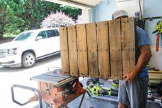 Scrap Wood & Pallet Baseball Hat Rack - Bower Power Baseball Furniture, Baseball Hat Racks, Diy Hat Rack, Hat Organization, Hat Storage, Pallet Creations, Pallet Projects, Wood Pallets, Furniture Decor