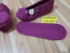 Knit 5 Below Stitch - Bubble Stitch - Pixiebell - Sweater Crochet Crochet Pattern Central, Crochet Slipper Pattern, Crochet Coat, Crochet Shoes, Crochet Slippers, Crochet Baby, Dress Patterns Uk, Simple Elegant Dresses, Knitted Booties