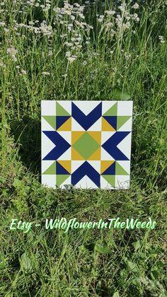 Items similar to mini barn quilt - greenbrier chevron star on Etsy Barn Quilt Designs, Barn Quilt Patterns, Quilting Designs, Mini Barn, Painted Barn Quilts, Barn Signs, Barn Art, Square Quilt, Square Art