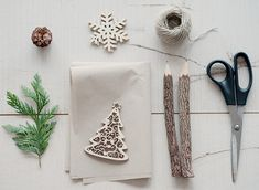 TWO SIMPLE WRAPPING IDEAS WITH NATURAL MATERIALS