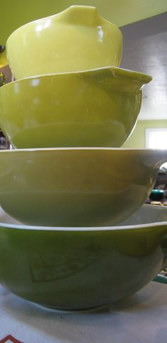 Pyrex Mixing Bowls - i could really use some new mixing bowls. My plastic ones are really worn out. As much as I bake, it would be great to have a set that's sturdy and made to last