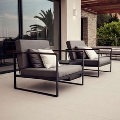 Aspiring to create exclusive outdoor furniture for beautiful moments, we present our Garden Easy series. The range is distinguished by its generous size, slim lines and evident form. A Garden Easy lounge is luxurious, yet laid-back. Small Patio Furniture, Teak Garden Furniture, Retro Furniture, Living Furniture, Furniture Layout, Furniture Arrangement, Unique Furniture, Sofa Furniture, Cheap Furniture