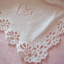Risultati immagini per copertina uncinetto Lace Shorts, Baby Blankets, Women, Top, Crochet Edging Patterns, Crochet Box, Crochet Blouse, Crocheting Patterns, Lace