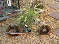 Upcycle-This: Upcycled (Motorcycle) Yard Art Metal Yard Art, Scrap Metal Art, Yard Ornaments, Metal Art Sculpture, Metal Projects, Craft Projects, Craft Ideas, Automotive Art, Automotive Furniture