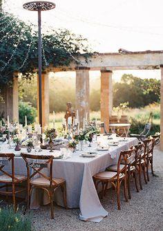 New wedding table settings outdoor rustic Ideas Rustic Wedding Reception, Wedding Receptions, Reception Layout, Tuscan Wedding, Small Wedding Ceremonies, Cyprus Wedding Venues, Wedding Ceremony, French Wedding Style, Wedding Rehearsal