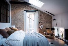 White ceiling and brick wall - Minimal Interior Design Inspiration Interior Design Examples, Interior Design Inspiration, Loft Interior, Interior And Exterior, Deco Design, Design Case, Home Bedroom, Bedroom Decor, Boho Deco