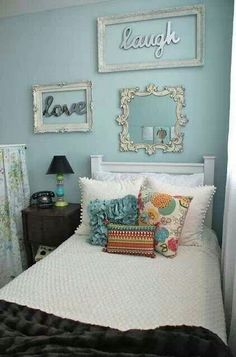 What a BEAUTIFUL master bedroom! Love this cozy vintage-inspired bedroom! bedroom home decor interior decoration Vintage Room Teenage Girl Bedroom Designs, Small Bedroom Designs, Teenage Girl Bedrooms, Small Bedrooms, Design Bedroom, Bedroom Colors, Girl Rooms, Blue Bedroom Ideas For Girls, Bedroom Ideas For Small Rooms For Adults