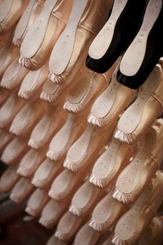 Article about pointe shoe makers.. every ballet dancer's hero