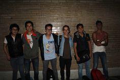 Titulo: Retrato grupal de amigos: Autor: Fernando Pereda Domínguez Fecha de realización: 20 Noviembre 2015 Abertura de diafragma: f/14 Velocidad de obturación: 1/200s ISO: 800 Distancia focal: 18 mm