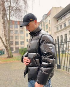 Modern Mens Fashion, Pvc Raincoat, Mens Trends, Modern Man, Canada Goose Jackets, Overalls, Personal Style, Winter Jackets, Outfits