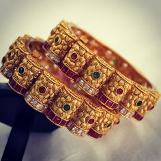 You Can Shop Pretty Gold Plated Bangle Designs Here jewellery storage Gold Bangles Design, Gold Jewellery Design, Gold Jewelry, Jewelry Sets, Jewelry Design Earrings, Pink Earrings, Fancy Jewellery, Temple Jewellery, Bridal Jewellery