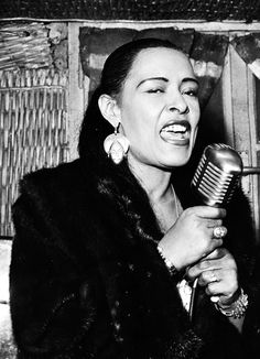 Billy Holiday performing in Milan - 1958 Jazz Artists, Jazz Musicians, Music Artists, Billie Holiday, Music Icon, My Music, Nova Orleans, Lady Sings The Blues, We Will Rock You