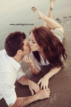 76 Gorgeous Couple Poses to Inspire Your Engagement Photos . Beach Engagement, Engagement Couple, Engagement Pictures, Engagement Ring, Engagement Ideas, Beach Photography, Couple Photography, Engagement Photography, Photography Ideas