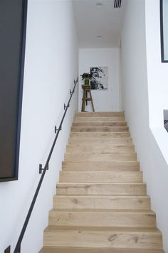 Looking for Staircase Design Inspiration? Check out our photo gallery of White Stair Railing Ideas. Modern Stair Railing, Modern Stairs, Staircase Design, Black Railing, Wood Stairs, House Stairs, Interior Stairs, Interior And Exterior, Entry Hallway