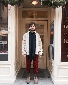 Noch genau einen Monat bis Weihnachten also kleide ich mich ab jetzt wie ein festlicher Teddybär. Monat, Raincoat, Jackets, Instagram, Fashion, Xmas, Curve Dresses, Rain Gear, Down Jackets