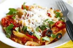 Penne Arrabiata--will have to hold the olives. Veggie Recipes, Vegetarian Recipes, Healthy Recipes, Veggie Food, Healthy Food, Penne, Pasta, Valeur Nutritive, Meatless Monday