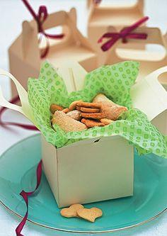 Caixas com biscoitos deixam os convidados felizes na hora de ir embora