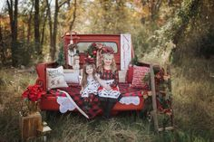 Xmas Pictures, Family Christmas Pictures, Family Christmas Cards, Christmas Settings, Christmas Photos, Holiday Photos, Family Photos, Christmas Photo Props, Christmas Portraits