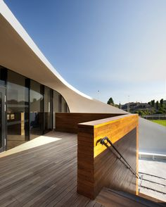 Maggie's Centre by Snohetta - The latest Maggie's Centre for cancer care has been completed by Norwegian architects Snøhetta at the Foresterhill site of the Aberdeen Royal Infirmary in Scotland.