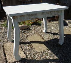 Bow-legged End Table