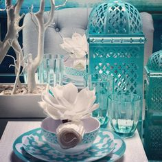 create a sophisticated spring table with our new shatterproof boulevard dinnerware
