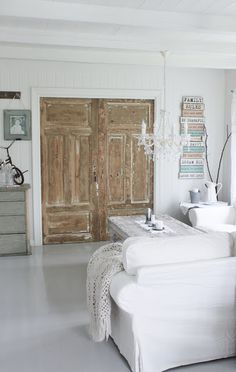 living Room - love the wooden doors Distressed Doors, Vintage Interior, Contemporary Interior Doors, Home Goods Decor, Doors Interior, House Interior, Wood Doors Interior, Home Interior Design, Interior Design
