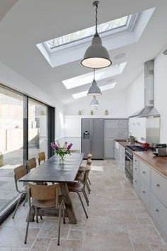 Kitchen Makeover Inspiration {On A Budget} – [pin_pinter_full_name] Kitchen Makeover Inspiration {On A Budget} Lighting Ideas – Via Turnerandhoskins…. Kitchen Diner Extension, Kitchen Extension Pitched Roof, Glass Roof Extension, House Extension Design, Extension Ideas, Open Plan Kitchen Living Room, Long Narrow Kitchen, Open Kitchen, Home Design