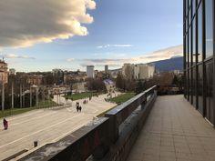 Blick vom NDK auf das Vitosha Gebirge, welches an Sofia angrenzt. Bulgarien ist einfach schön! Sidewalk, Bulgaria, Mountain Range, Simple, Nice Asses, Pictures, Side Walkway, Walkway, Walkways