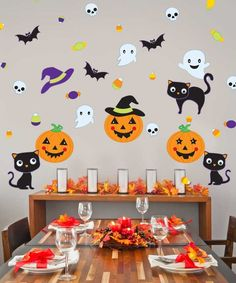 Our Pumpkin Party Wall Decal Kit will add spooky charm to your Halloween Decor. This set comes with 3 Jack-o-lanterns, 3 Black Cats, 3 Spooky Ghosts, 3 Bats, 5 skulls and A variety of Halloween Candy Decals and even a Wicked Witch Hat. Halloween Birthday, Halloween 2018, Halloween Candy, Halloween Crafts For Kids, Diy Halloween Decorations, Festa Hotel Transylvania, Imprimibles Halloween, Princess Party Games, Gender Reveal Party Games