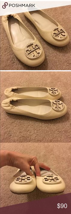 Tory Burch Tumbled White Reva Flats Sz 8 Nice preloved. Only light wear, the heels have a touch of darkening - no scuffs, a good polish would bring them to almost new condition. No box no bag. 