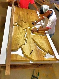 process making resin table - a map of the world would be awesome! course of making resin desk - Woodworking A Deadly Mistake Uncovered on Resin Wood Table Diy and How to Avoid It Walnut epoxy resin table with walnut epoxy consol,live edge,epoxy river tabl Resin Furniture, Woodworking Furniture, Woodworking Plans, Woodworking Projects, Furniture Making, Popular Woodworking, Resin Crafts, Wood Crafts, Diy Wood