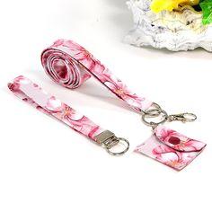 3-teiliges Schlüsselband - Set, aus Stoff, Hibiskus Flair - rosa, mit Täschchen, Karabinern und Schlüsselringen, 48 x 2,2 cm Personalized Items, Etsy, Hibiscus, Hand Sewn, Handarbeit