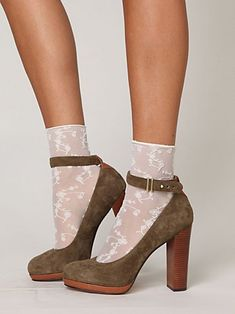 so cute:) love the socks too