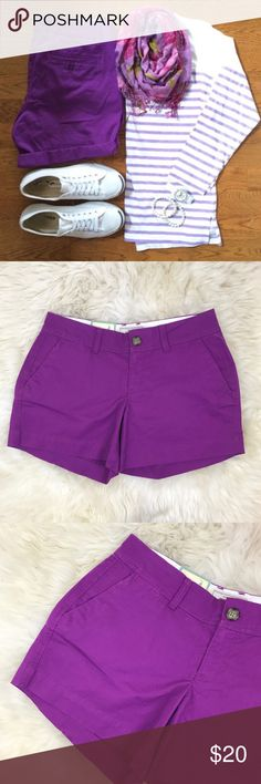 """Old Navy Purple Khaki Shorts New with tags, the perfect 5"""" shorts. Purple khaki, front and back pockets, center zipper and button. 97% cotton, 3% spandex. Laying flat waist is 16"""", length is 12.5"""", inseam is 5"""" ❌NO TRADES OR PAYPAL❌ Old Navy Shorts"""