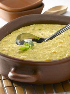 POROTOS GRANADOS CON MAZAMORRA Vegan Kitchen, Kitchen Recipes, Cooking Recipes, Healthy Recipes, Chilean Recipes, Chilean Food, Latin American Food, Good Food, Yummy Food