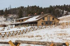 This home/stall barn was built for Kerry & Dr. Lew in Pringle, SD  Special Features:...