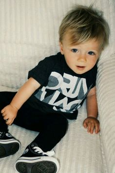 New baby boy haircut styles fashion kids Ideas Fashion Kids, Little Boy Fashion, Baby Boy Fashion, Trendy Fashion, Baby Boys, Toddler Boys, Kids Boys, Little Babies, Little Boys