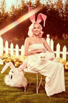 Forget the painted eggs: this is how Miley Cyrus does Easter