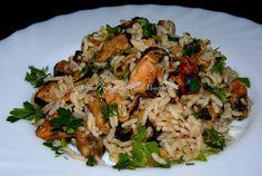 Greek Recipes, Low Carb Recipes, Vegan Recipes, Healthy Eating Tips, Healthy Nutrition, Greek Cooking, Vegetable Drinks, Mushroom Recipes, Fish And Seafood